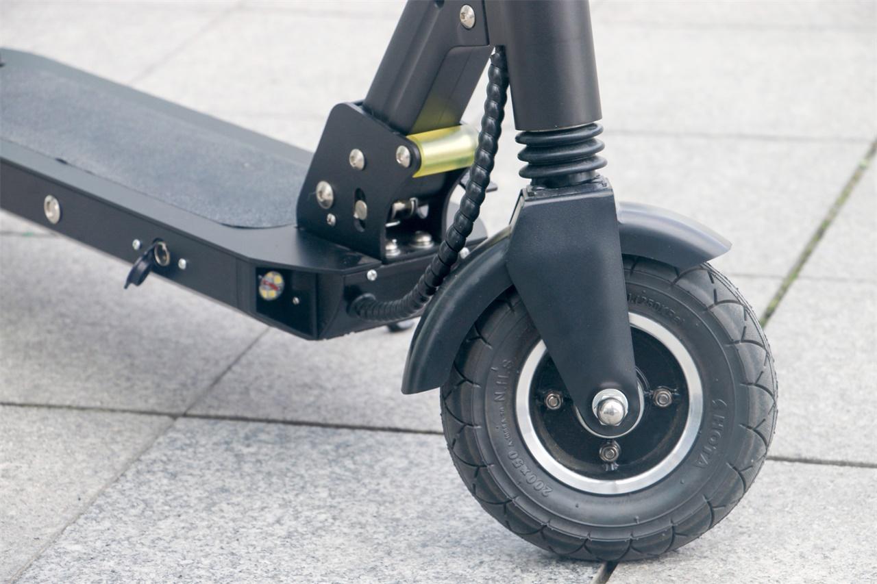 Trottinette PomeIo JL801E roue avant