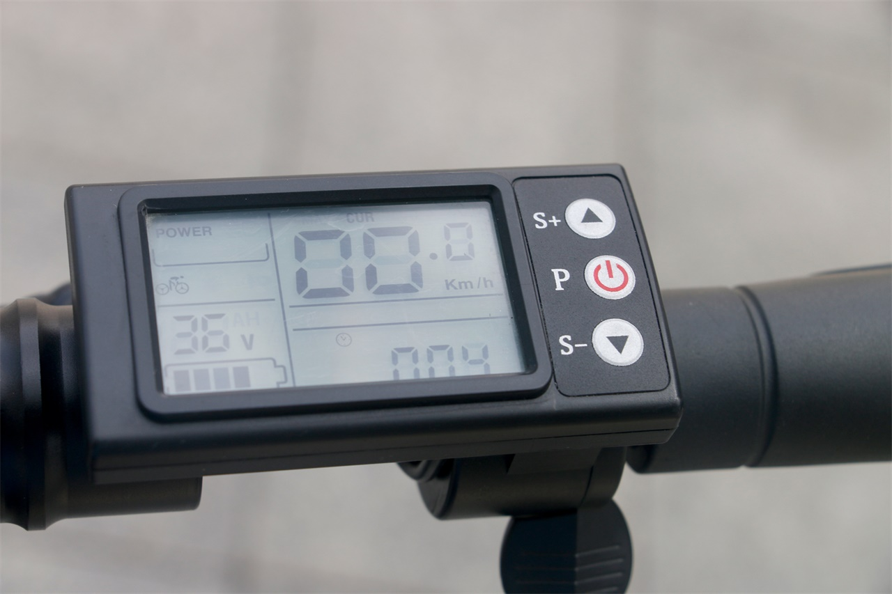 Trottinette PomeIo JL801E compteur LCD