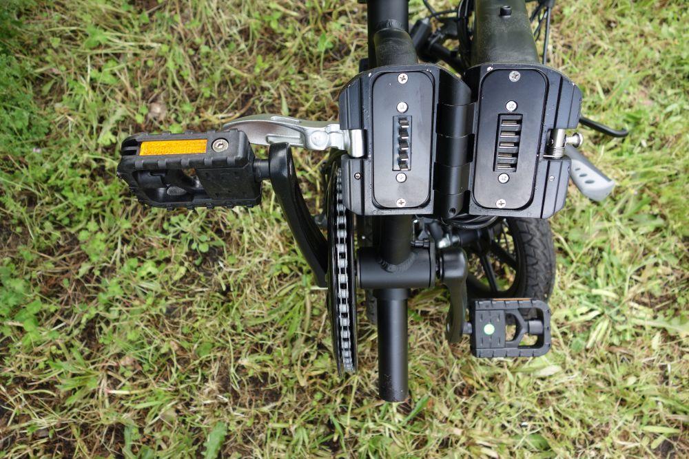 Fiido D1 connecteur batterie moteur vélo plié
