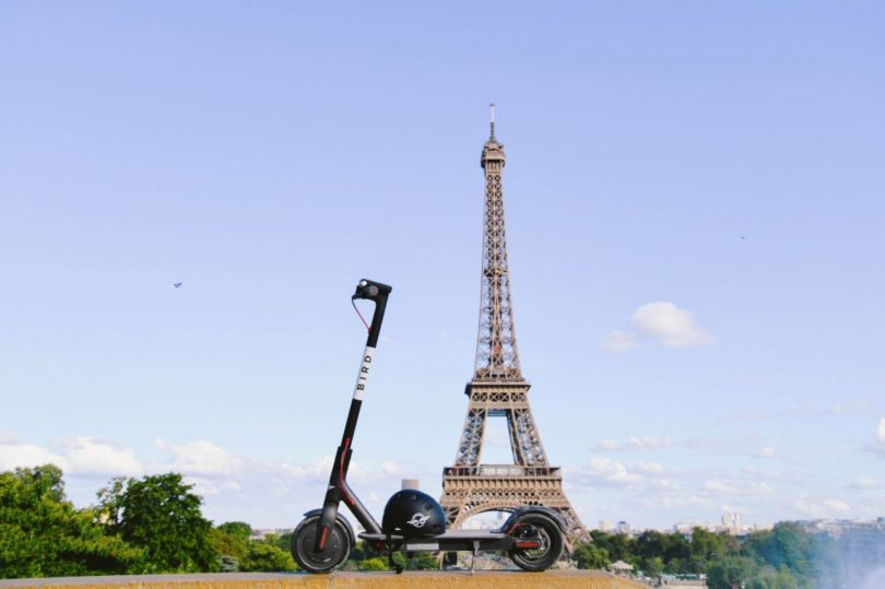 photo lancement de Bird à Paris trottinette électrique en libre service