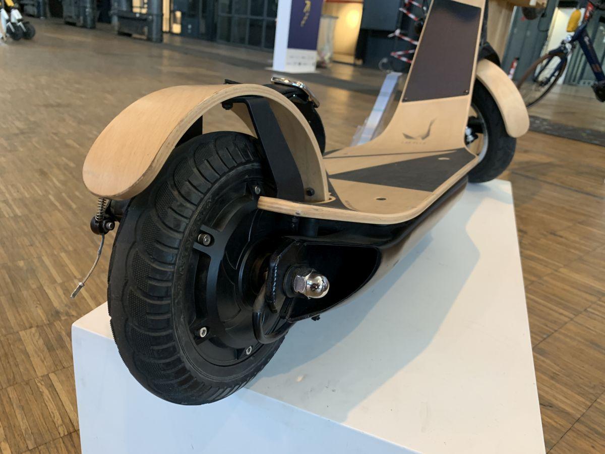 trottinette électrique Labelle moteur et roue arrière