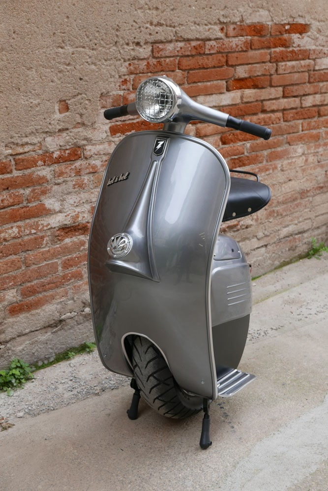 Z-One Vespa de face