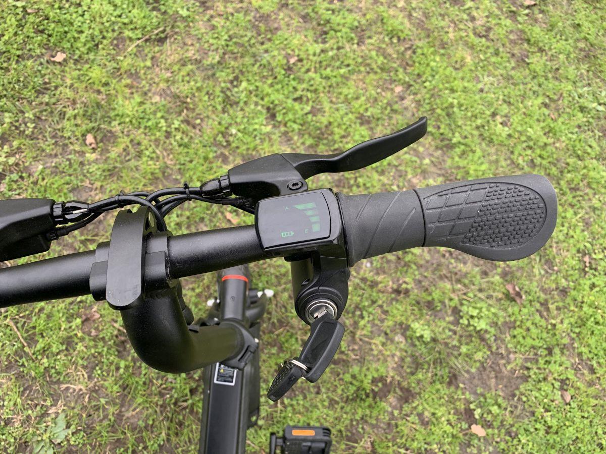 vélo Guangya Y1 guidon et accélérateur