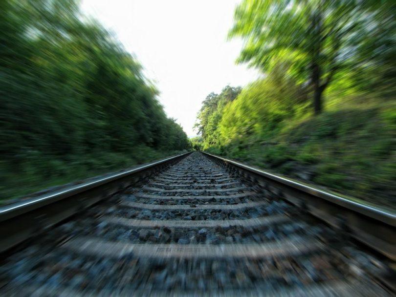 rails train effet de mouvement