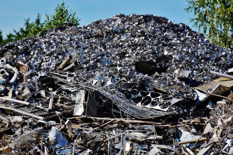 visuel recyclage décharge fer